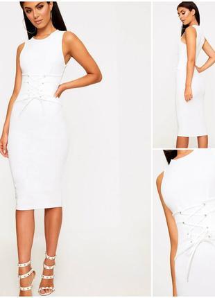 Эксклюзивное белое платье с корсетом по талии