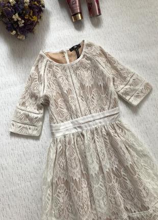 Missguided  шикарное кружевное платье / очень красивое