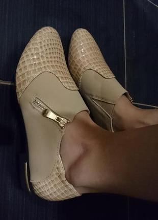Очень красивые туфли 36/37/39 качество супер! распродажа