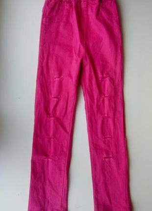 Розовые стрейчевые скинни брюки джинсы с дырками рваные лосины