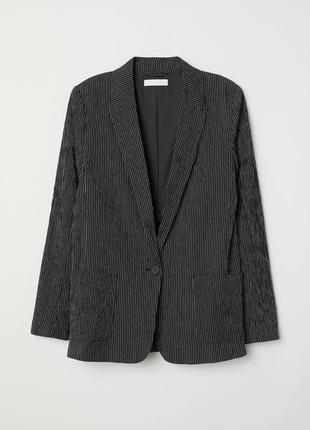 Жіночий піджак прямого крою