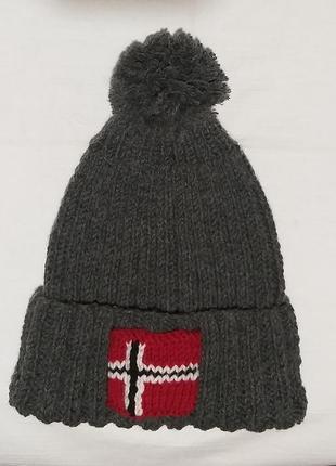 Супер стильная теплая серая шапка napapijri напапири