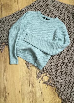 Стильный укорочённый шерстяной свитер от bik bok