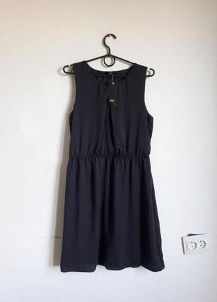 Стильное платье под шелк на резиночке