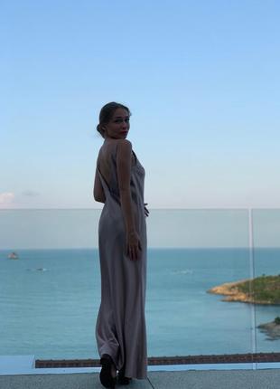 Платье в пол атлас