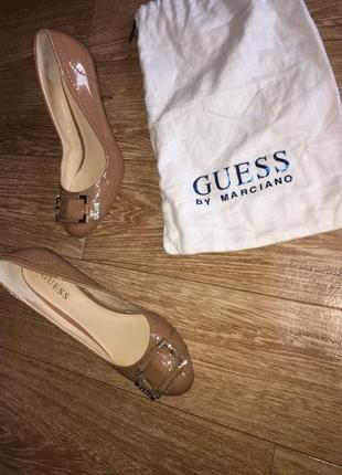 Туфли лаковые туфельки guess