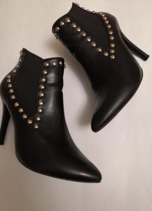 Красивые демисезонные ботинки, размер 39