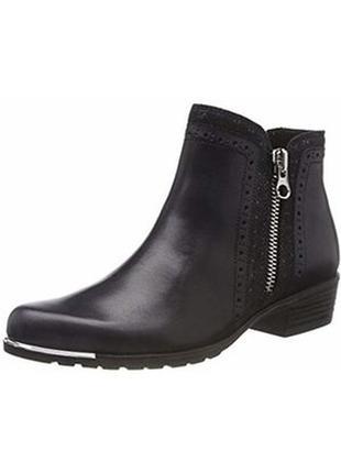 Стильные кожаные ботинки caprice