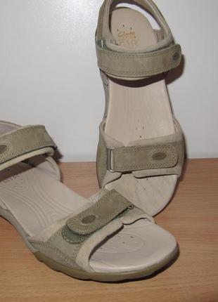 Спортивные кожаные босоножки clarks activ air 24 см по стельке