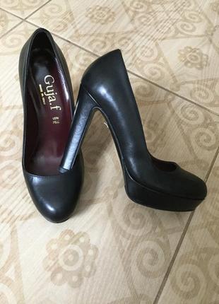 Guja.f туфли кожаные р-р 36 23-23.3 италия