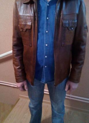 Класна шкіряна куртка