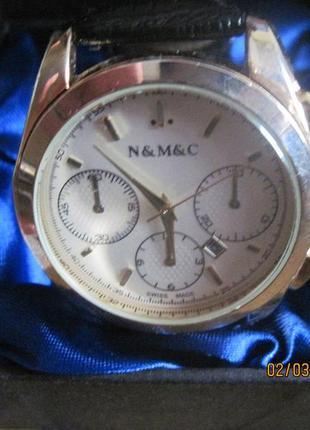 Шикарные часы на черном ремешке всего за 150 грн!