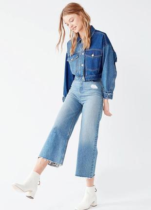 Рваные джинсовые кюлоты, высокая посадка