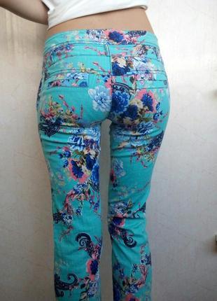Летние брюки с цветочным принтом
