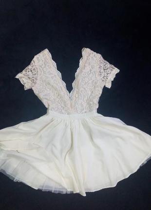 Кружевное платье,с пышной юбкой,m,l,missquided