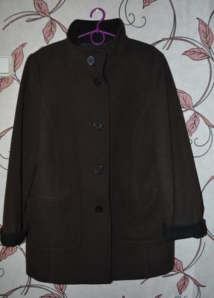 Класне пальто від бренду gelco