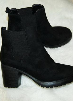 Ботинки черные челси толстый каблук 38-39 р-р 25 см