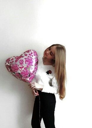 Кроп-топ с розой