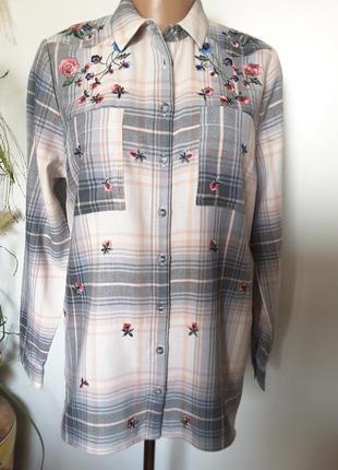 Фланелевая рубашка в клетку с вышивкой