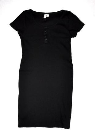 Черное трикотажное платье с коротким рукавом