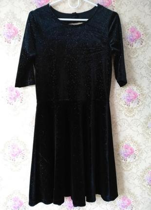 Невероятное бархатное платье с блестками