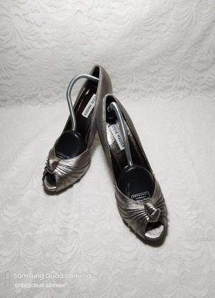 💎кожаные серебряные туфли steve madden на каблуке💎