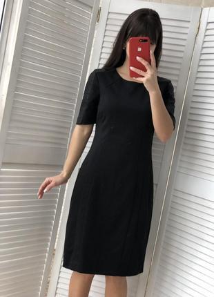 Милое платье размер м