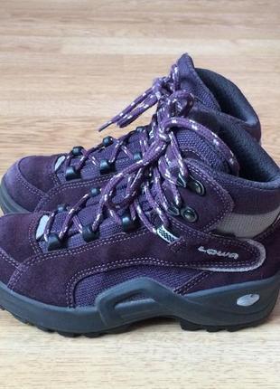 Замшевые ботинки lowa германия 30 размера с мембраной gore-tex