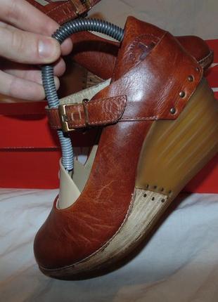 Туфли босоножки танкетка dr martens оригинал кожа размер 36 по стельке 23 см без дефектов