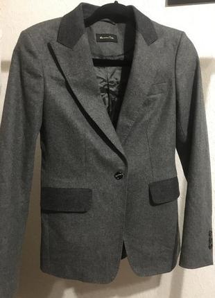 Шикарный тёплый пиджак massimo dutti