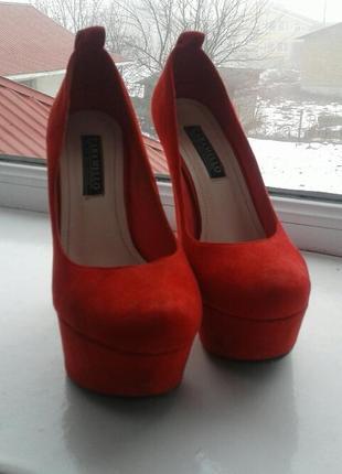 Туфли красные, замш