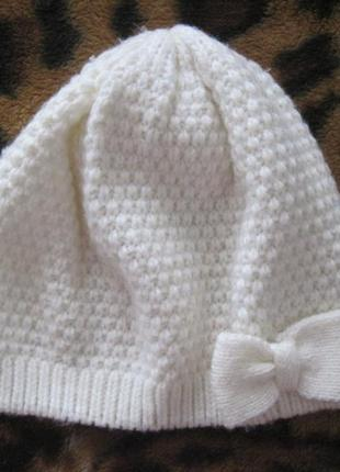 Демисезонная шапка для девочки фирмы h&m р. 4-8 (110-128 см).