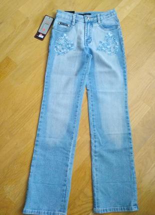 Новые! джинсы с вышивкой