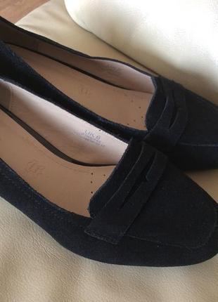 Шикарные кожанные  туфли новые