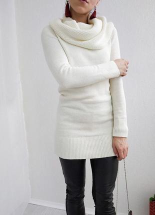 Удлинённый вязаный свитер платье с объемным воротником h&m молочного цвета