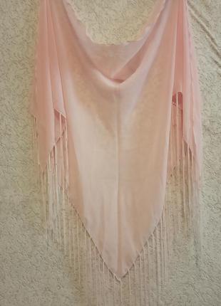 Платок розовый с бахромой4 фото