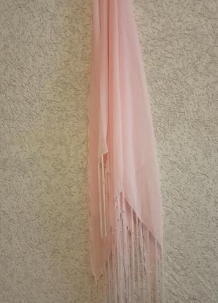 Платок розовый с бахромой3 фото