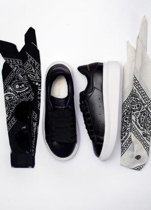 Очень популярная модель кроссовки разные размеры в наличии