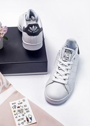 Женские белые кроссовки разные размеры в наличии