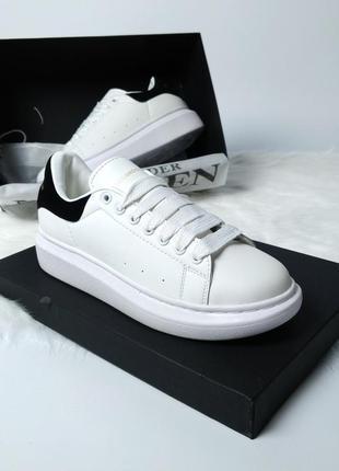Женские кроссовки с черной пяткой alexander mcqueen 36 37 38 39 40 размер