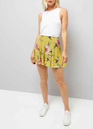 Яркие легкие шорты юбка, стильные из вискозы в цветах new look
