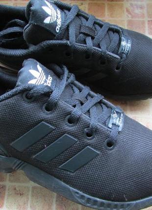 Кроссовки для мальчика adidas zx flux длина по стельке 22, 5 см 35 размер