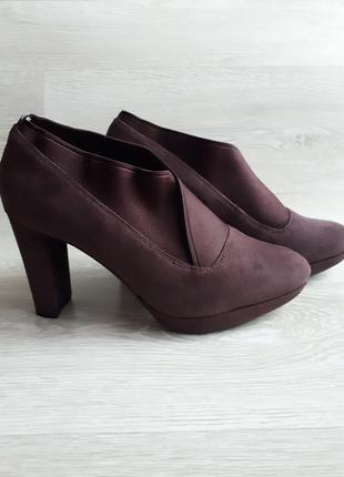 Кожаные туфли clarks / закрытые туфли