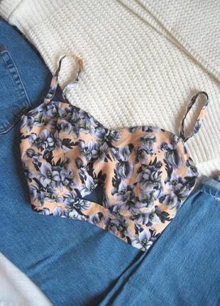 Нежный кроп-топ в цветочный принт miss selfridge