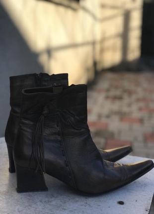 Ботинки женские с бронзовым отливом осень-весна
