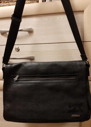 Классная мужская сумка на ремне