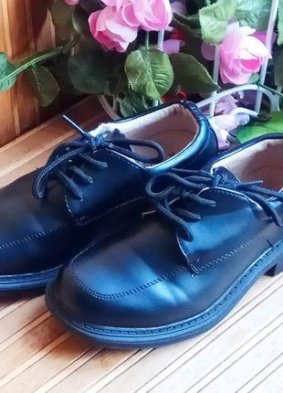 Туфли школьные, демисезонные от dunnes 30р.