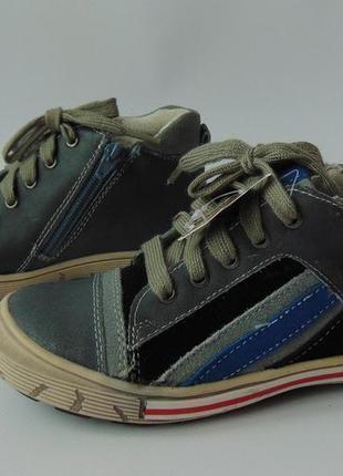 Кожаные демисезонные ботинки-кроссовки супинатор andre франция 28,29,30,31
