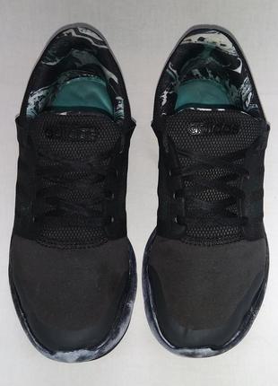Кроссовки adidas. размер 36.5