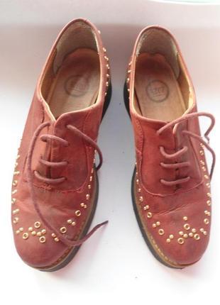 Модные кожаные туфли! размер 35
